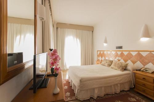 Тур в Испанию на Коста де Альмерия Мохакар бюджетный отдых в отелях