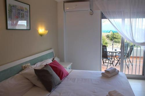 Тур в Испанию на Коста Тропикаль Альмунекар отдых в гостевых домах