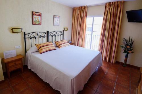 Тур в Испанию на Коста Тропикаль Салобренья отдых в гостевых домах